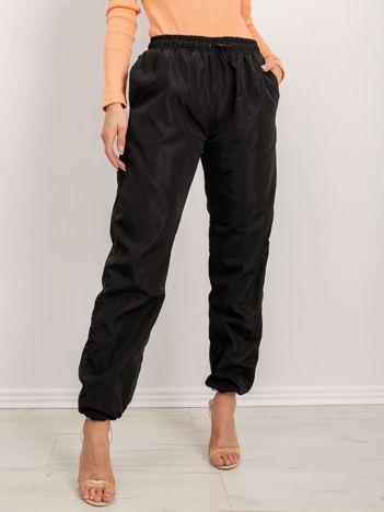 BSL Czarne spodnie ze ściągaczami