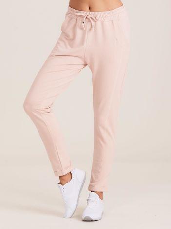 Bawełniane dresowe spodnie jasnoróżowe
