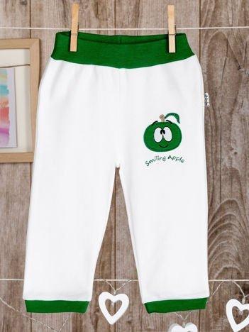 Bawełniane spodenki niemowlęce z naszywkami biało-zielone