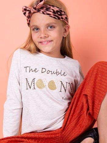 Beżowa bluzka dla dziewczynki z tekstowym nadrukiem