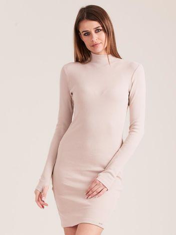 Beżowa dopasowana sukienka z półgolfem