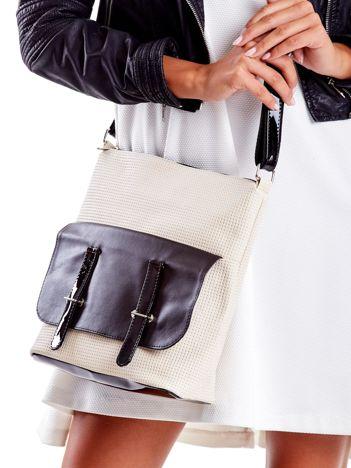 Beżowa torba z lakierowanymi wstawkami
