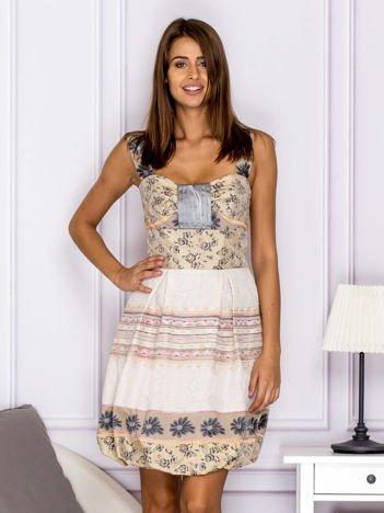 Beżowa wzorzysta sukienka z kontrafałdami