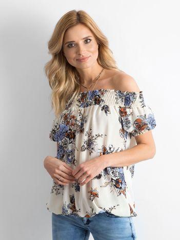 Beżowa zwiewna bluzka hiszpanka w kwiaty
