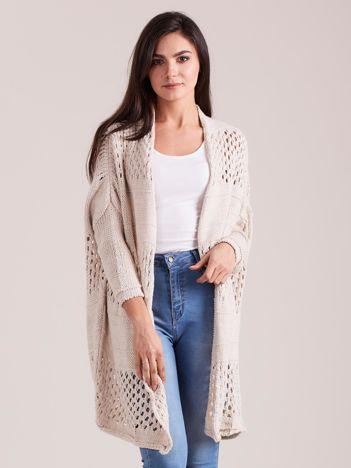 Beżowy długi ażurowy sweter