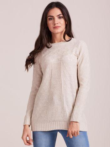 Beżowy sweter damski