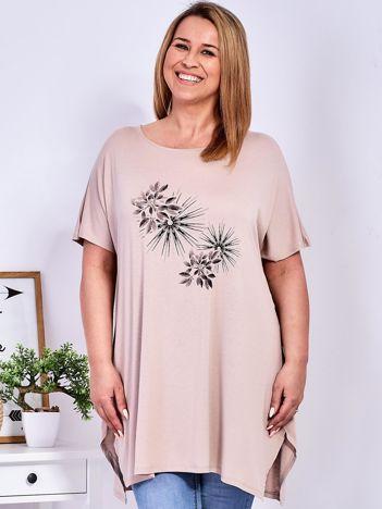 Beżowy t-shirt  z roślinnym printem PLUS SIZE