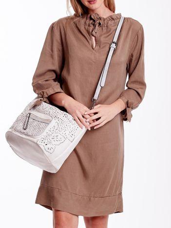 Biała ażurowa torba z plecioną kieszonką