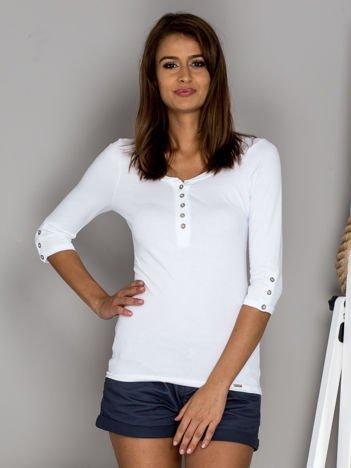 Biała bluzka z guzikami