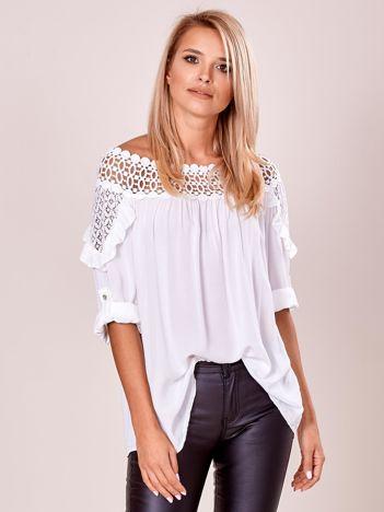 Biała luźna bluzka damska