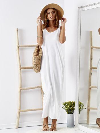 Biała luźna sukienka maxi z dekoltem na plecach