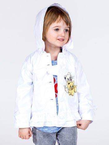 Biała ortalionowa kurtka dziewczęca z naszywką i odpinanym kapturem