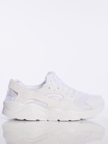 Białe buty sportowe na spręzystej podeszwie z gumowanymi wstawkami na pięcie