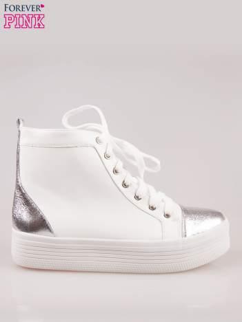 Białe sneakersy za kostkę na grubej podeszwie ze srebrnym noskiem