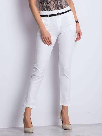 Białe spodnie Wondering