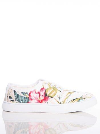 Białe tenisówki Sabatina z motywem kwiatów