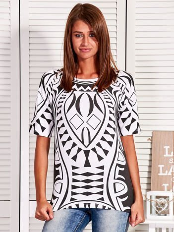 Biało-czarna bluzka w etniczne wzory