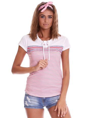 Biało-różowy t-shirt w paski
