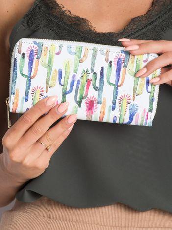 Biały portfel w kolorowe kaktusy