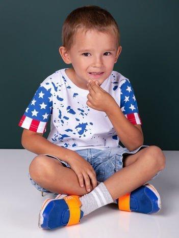 Biały t-shirt dziecięcy z nadrukiem