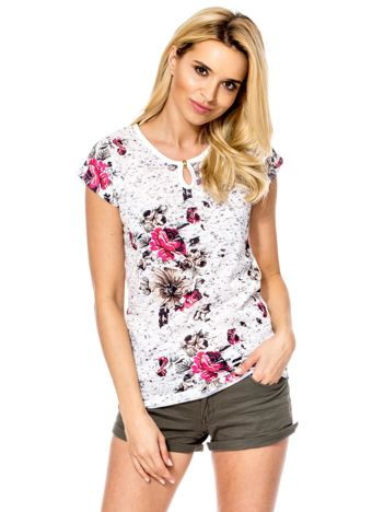 Biały t-shirt z kwiatowym wzorem