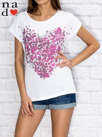 Biały t-shirt z roślinnym nadrukiem