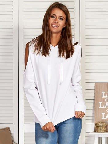 Bluza damska z kapturem i nadrukiem na plecach biała
