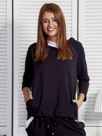 Bluza damska z ozdobną taśmą przy kapturze czarna