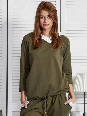 Bluza damska z ozdobną taśmą przy kapturze khaki