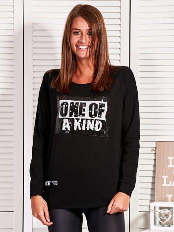Bluzka damska z cekinowym napisem czarna