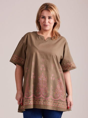 Bluzka koszulowa oversize z motywami etnicznymi khaki PLUS SIZE