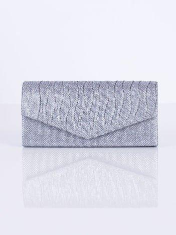 Błyszcząca kopertówka z falowanymi plisami srebrna