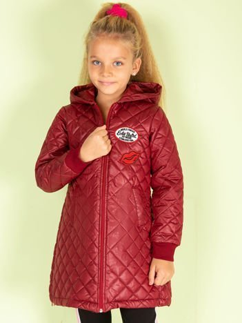 Bordowa pikowana kurtka dla dziewczynki z naszywkami