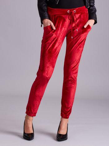 Bordowe aksamitne spodnie
