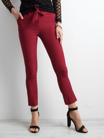 Bordowe spodnie z wiązaniem