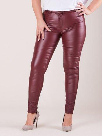 Bordowe woskowane spodnie damskie PLUS SIZE