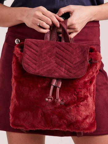 Bordowy futrzany plecak