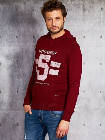 Bordowy sweter męski z kapturem i napisem