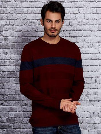 Bordowy sweter męski z kontrastową wstawką