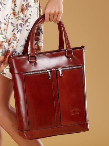 Brązowa skórzana torba z kieszeniami