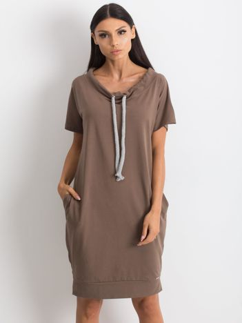 Brązowa sukienka Distinctiveness