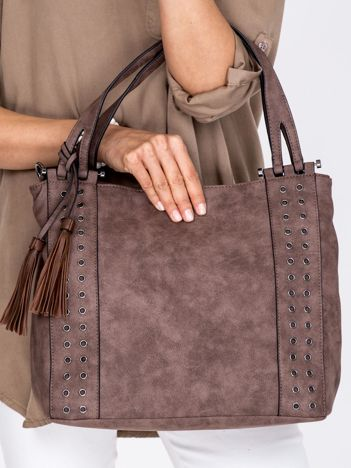 Brązowa torba z ażurowaniem