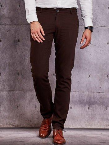 Brązowe spodnie męskie o delikatnej fakturze