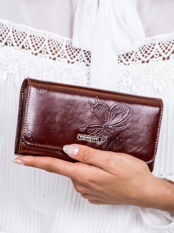Brązowy portfel damski w motyle