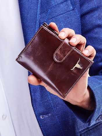 Brązowy portfel dla mężczyzny z zapięciem na zatrzask