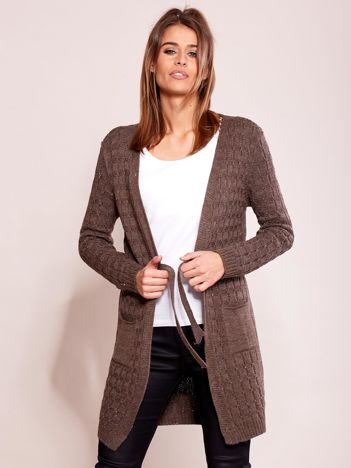 Brązowy sweter z paskiem