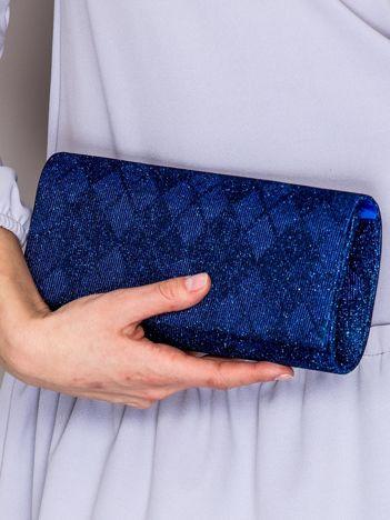 Brokatowa kopertówka ze wzorem w romby kobaltowa