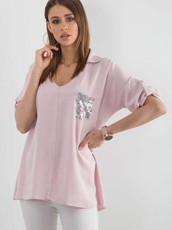 Brudnoróżowa bluzka z cekinową kieszenią