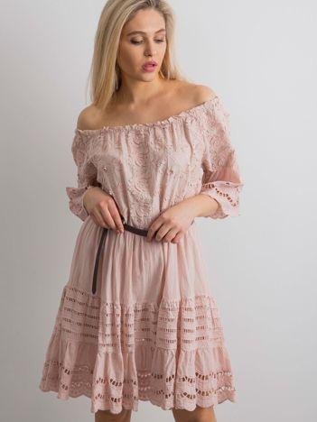 Brudnoróżowa sukienka hiszpanka boho