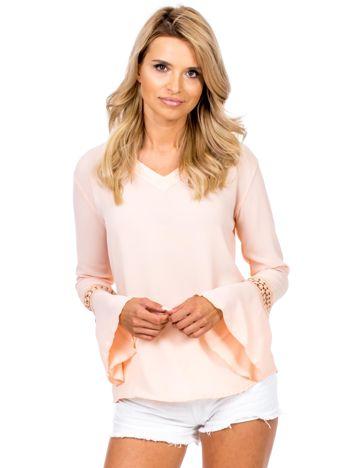 Brzoskwiniowa bluzka z rozszerzanymi rękawami